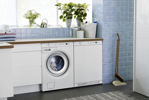 Hot water fill washing machines