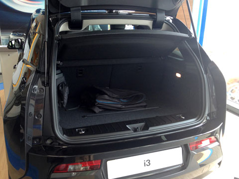 BMW_i3_small_boot